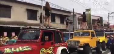 [Video] Funeral de politico taiwanes contó con 50 Strippers